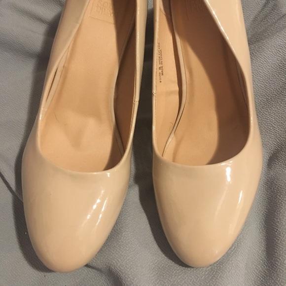 Shoes   Nude Eee Width Heels   Poshmark